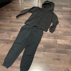 Aritzia tna airy af black sweatsuit medium vguc
